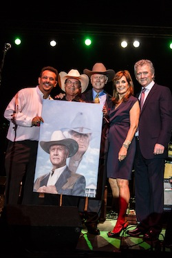 "Artist Mario AC Della Casa, Philanthropist Arthur E. Benjamin, Larry Hagman and ""Dallas"" cast members Linda Gray and Patrick Duffy thumb"